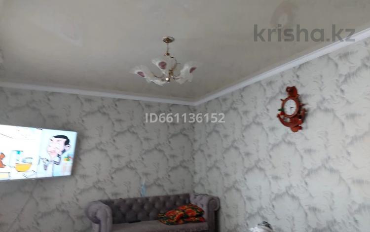 5-комнатный дом, 300 м², 6 сот., Ж/м Шагала 70 за 12 млн 〒 в Атамекене