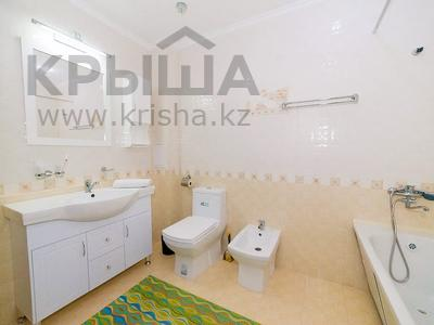 1-комнатная квартира, 50 м², 20/25 этаж посуточно, Каблукова 38г за 15 000 〒 в Алматы