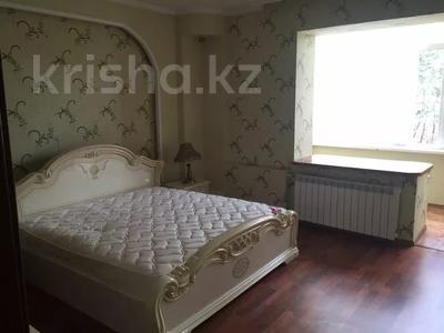 3-комнатная квартира, 122 м², 4 этаж помесячно, Динмухамеда Кунаева 14 за 300 000 〒 в Нур-Султане (Астана), Есиль р-н — фото 3