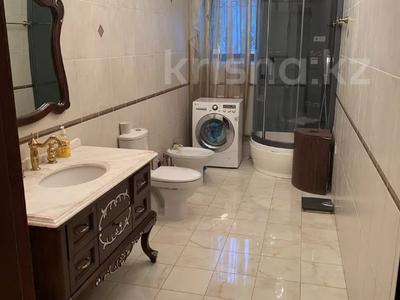 4-комнатная квартира, 160 м², 5/8 этаж, проспект Санкибай Батыра 40к2 — А.Молдагуловой за 39 млн 〒 в Актобе, мкр. Батыс-2 — фото 2