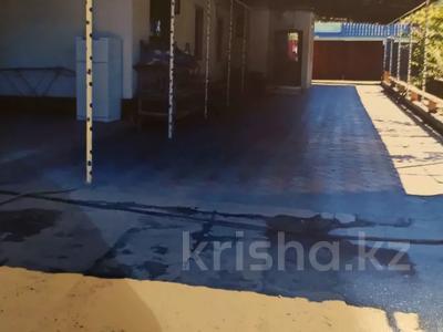 11-комнатный дом, 173.9 м², 7.4 сот., мкр Достык 31 — Каргалинское за 37 млн 〒 в Алматы, Ауэзовский р-н — фото 11