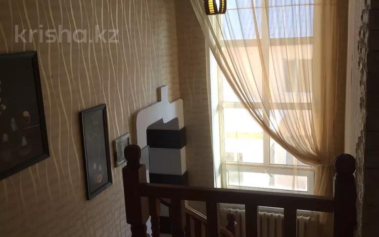 10-комнатный дом посуточно, 400 м², Бабажанова 12 за 40 000 〒 в Нур-Султане (Астана), Есиль р-н