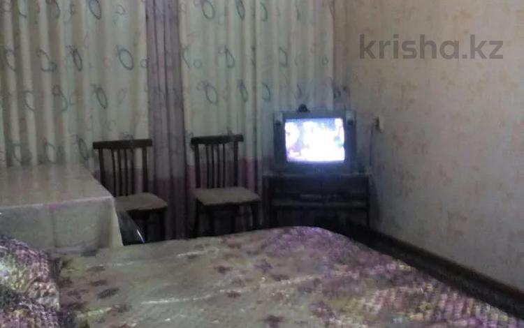 1-комнатная квартира, 31 м², 1/5 этаж по часам, 3 микр 4/1 дом — Возле парка Женис ул Жансугурова пересечение Шостаковича за 500 〒 в Таразе