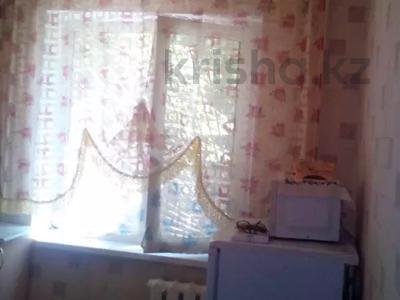 1-комнатная квартира, 31 м², 1/5 этаж по часам, 3 микр 4/1 дом — Возле парка Женис ул Жансугурова пересечение Шостаковича за 500 〒 в Таразе — фото 6
