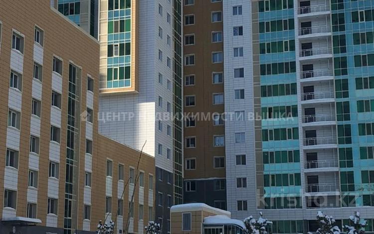 1-комнатная квартира, 42.38 м², 9/9 этаж, Қабанбай батыр 48/5 за ~ 15 млн 〒 в Нур-Султане (Астана), Есиль р-н