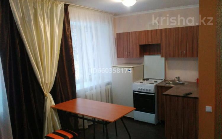 1-комнатная квартира, 31 м², 1/3 этаж, 72-й квартал 18 за 7.5 млн 〒 в Семее
