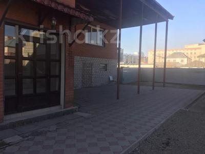 8-комнатный дом помесячно, 480 м², 10 сот., Манатау 7 за 700 000 〒 в Нур-Султане (Астана), Алматинский р-н