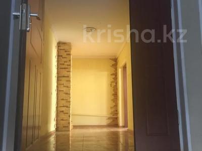 8-комнатный дом помесячно, 480 м², 10 сот., Манатау 7 за 700 000 〒 в Нур-Султане (Астана), Алматинский р-н — фото 5