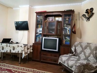 2-комнатная квартира, 65 м², 1/9 этаж, проспект Шахтёров 31А за 15.6 млн 〒 в Караганде, Казыбек би р-н