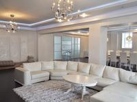 8-комнатная квартира, 450 м², 5/6 этаж помесячно