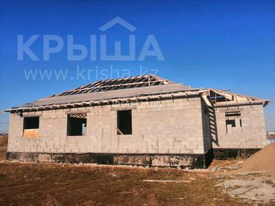 6-комнатный дом, 250 м², 10 сот., мкр Кунгей за 15 млн 〒 в Караганде, Казыбек би р-н