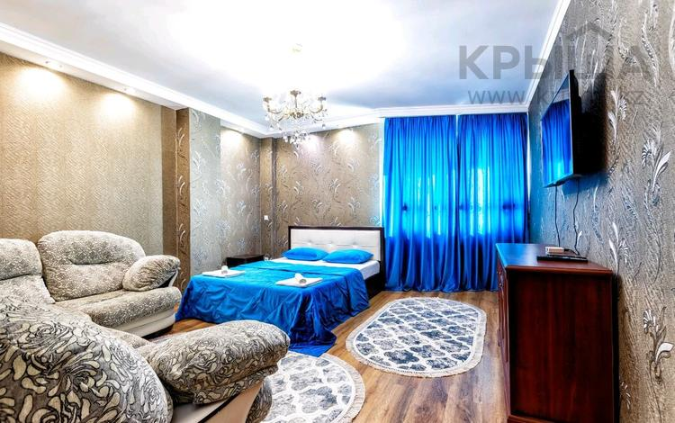 1-комнатная квартира, 46 м², 8/14 этаж посуточно, Сарайшык 7 — Акмешит за 12 000 〒 в Нур-Султане (Астана)
