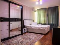 2-комнатная квартира, 70 м², 2/9 этаж посуточно, ул. Тайманова 58 за 14 000 〒 в Атырау
