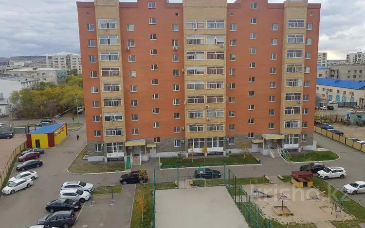 1-комнатная квартира, 60 м², 1/5 этаж посуточно, Потанина 27а — Ауэзова за 8 000 〒 в Кокшетау