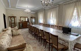 7-комнатный дом, 339.5 м², 10 сот., Абдреева 1 за 65 млн 〒 в