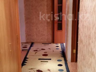 3-комнатная квартира, 60 м², 2/9 этаж помесячно, Гапеева 1 за 130 000 〒 в Караганде — фото 9