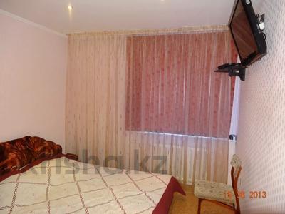 3-комнатная квартира, 60 м², 2/9 этаж помесячно, Гапеева 1 за 130 000 〒 в Караганде — фото 5