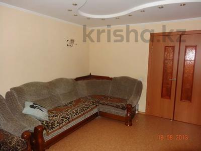 3-комнатная квартира, 60 м², 2/9 этаж помесячно, Гапеева 1 за 130 000 〒 в Караганде — фото 3