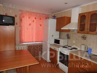 3-комнатная квартира, 60 м², 2/9 этаж помесячно, Гапеева 1 за 130 000 〒 в Караганде — фото 6