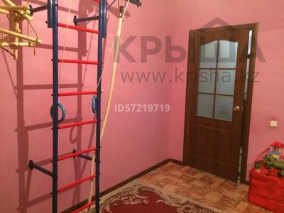 2-комнатная квартира, 60 м², 3/9 этаж, Нур сити за 10.5 млн 〒 в Актобе, Нур Актобе