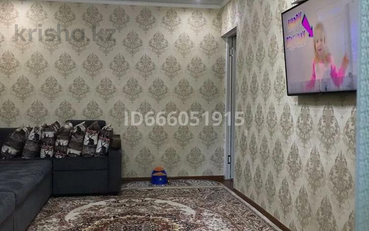 2-комнатная квартира, 48 м², 2/5 этаж, улица Молдагулова 8а за 15.5 млн 〒 в Шымкенте