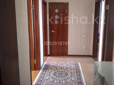 4-комнатный дом, 89 м², 100 сот., Кабанбай батыра 74 за 18 млн 〒 в Караганде, Казыбек би р-н