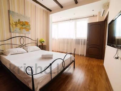 2-комнатная квартира, 75 м², 20/25 этаж посуточно, Каблукова 264 за 13 000 〒 в Алматы, Бостандыкский р-н