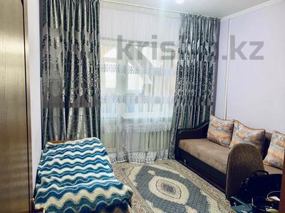 2-комнатная квартира, 57 м², 4/9 этаж, мкр Аксай-3 6 — Толе Би за 25.5 млн 〒 в Алматы, Ауэзовский р-н