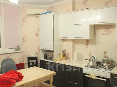 3-комнатная квартира, 110 м², 8/17 этаж, мкр Мамыр-1 за 45 млн 〒 в Алматы, Ауэзовский р-н — фото 4