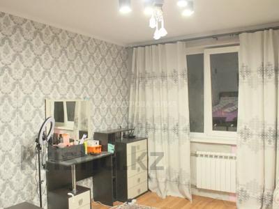 3-комнатная квартира, 110 м², 8/17 этаж, мкр Мамыр-1 за 45 млн 〒 в Алматы, Ауэзовский р-н — фото 3