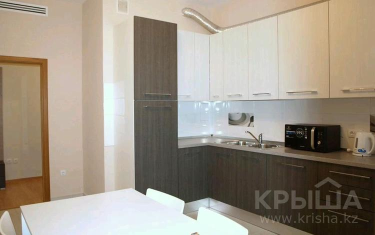 2-комнатная квартира, 70 м² помесячно, Желтоксан 3 за 210 000 〒 в Нур-Султане (Астана)