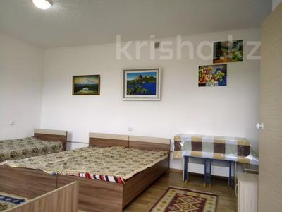 1-комнатный дом посуточно, 30 м², 10 сот., Биржан Сала 29 за 15 000 〒 в Бурабае — фото 4