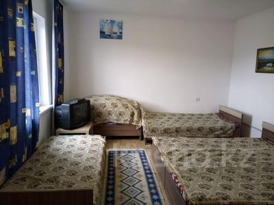 1-комнатный дом посуточно, 30 м², 10 сот., Биржан Сала 29 за 15 000 〒 в Бурабае — фото 8