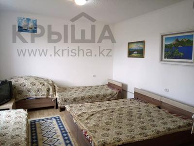 1-комнатный дом посуточно, 30 м², 10 сот., Биржан Сала 29 за 15 000 〒 в Бурабае — фото 9