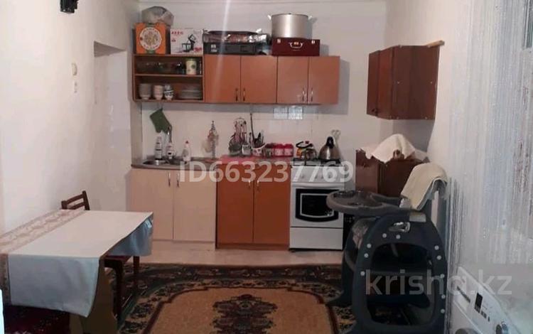 4-комнатный дом, 125 м², 8 сот., улица Жолбарыс Хана 193 за 18 млн 〒 в Таразе