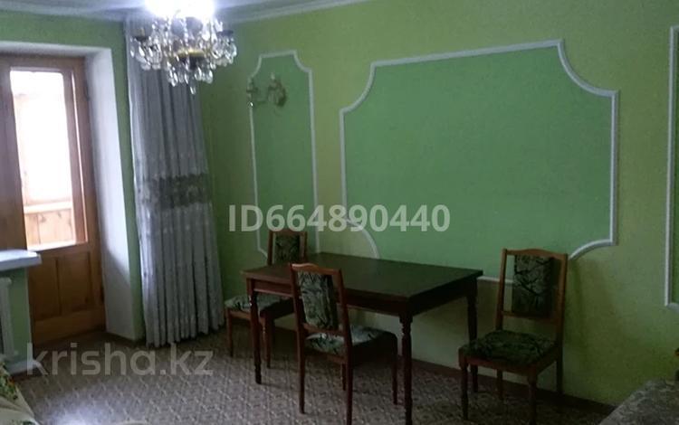2-комнатная квартира, 54 м², 2/5 этаж посуточно, улица Козбагарова 7 — Дулатова за 10 000 〒 в Семее