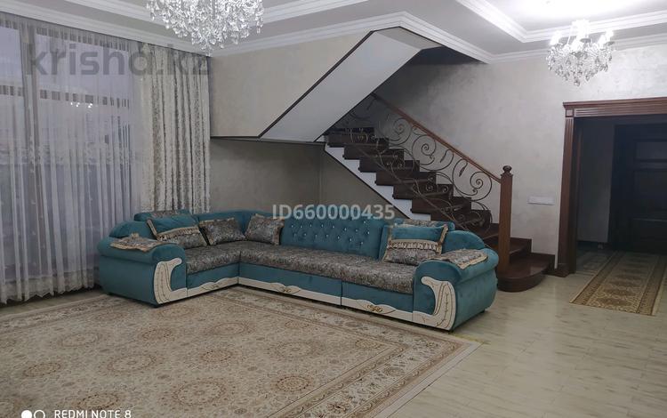 6-комнатный дом, 320 м², 8.8 сот., мкр Акбулак, 1-я улица — Рыскулова-Момышулы за 95 млн 〒 в Алматы, Алатауский р-н