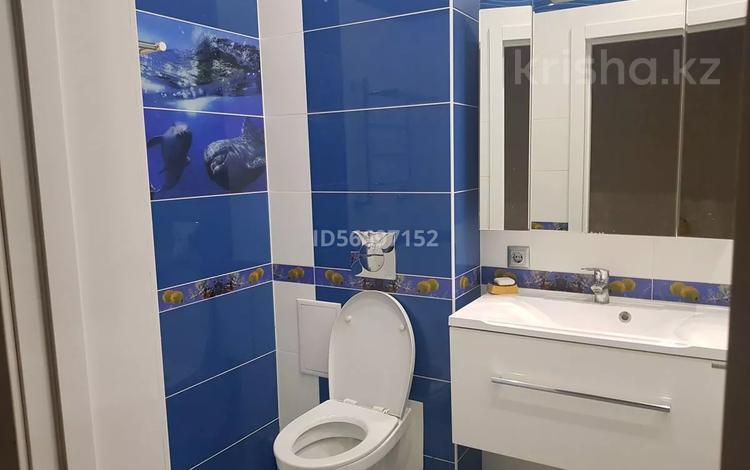 2-комнатная квартира, 90 м², 3/7 этаж помесячно, проспект Нурсултана Назарбаева 233 за 200 000 〒 в Уральске