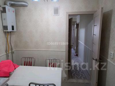 4-комнатная квартира, 90 м², 4/5 этаж, 17-й микрорайон, 17-й микрорайон 20 — Еримбетова за 26 млн 〒 в Шымкенте, Енбекшинский р-н