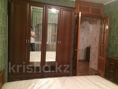 2-комнатная квартира, 55 м², 4/5 этаж помесячно, мкр Аксай-4, Аксай 4 за 150 000 〒 в Алматы, Ауэзовский р-н — фото 3