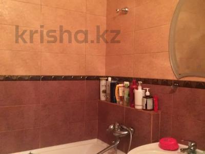 2-комнатная квартира, 55 м², 4/5 этаж помесячно, мкр Аксай-4, Аксай 4 за 150 000 〒 в Алматы, Ауэзовский р-н — фото 7