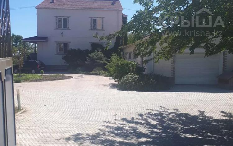 6-комнатный дом помесячно, 437 м², 15 сот., 1в мкр. 2 за 600 000 〒 в Актау