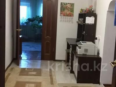 4-комнатный дом, 120 м², 5 сот., Переулок Торговый за 16 млн 〒 в Актобе, Старый город — фото 10