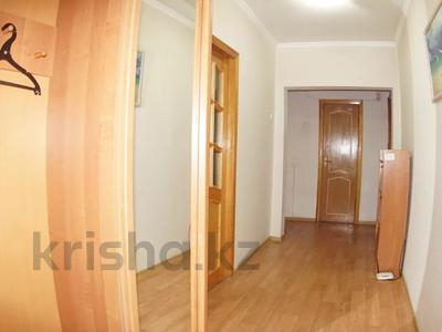 2-комнатная квартира, 68 м², 9/9 этаж посуточно, Фурманова 243 за 10 000 〒 в Алматы, Медеуский р-н — фото 12