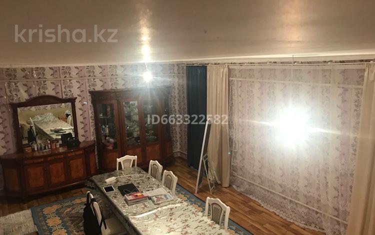 4-комнатный дом, 200 м², 0.6 сот., Рахат 1 135 за 15 млн 〒 в Жанаозен