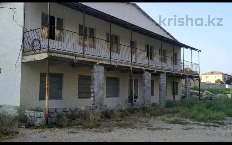 Здание, проспект Яссауи площадью 600 м² за 300 000 〒 в Кентау