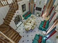 4-комнатный дом помесячно, 340 м²