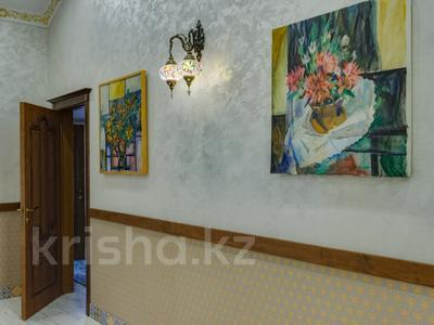 4-комнатный дом помесячно, 340 м², Керей-Жаныбек Хандар за 3 млн 〒 в Алматы, Медеуский р-н — фото 35