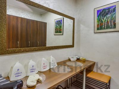 4-комнатный дом помесячно, 340 м², Керей-Жаныбек Хандар за 3 млн 〒 в Алматы, Медеуский р-н — фото 38