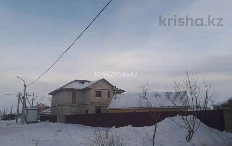 7-комнатный дом, 320 м², 10 сот., Бөгенбай батыр 50 за 26 млн 〒 в Кояндах